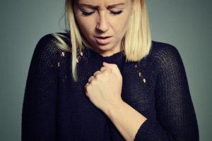 Почему месячные прошли, а грудь болит?