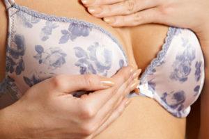 Причины боли между грудями — советы для профилактики