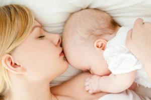 Какие действия кормящей мамы при застое молока в домашних условиях?