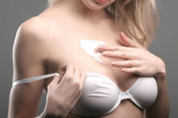 От чего появляются и как избавиться от растяжек на груди?