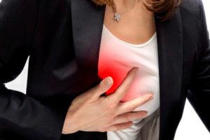 Как и почему болит у женщин грудь при мастопатии?