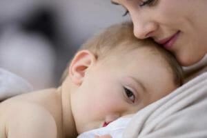 Что делать в случае отравления при грудном вскармливании и можно ли кормить?